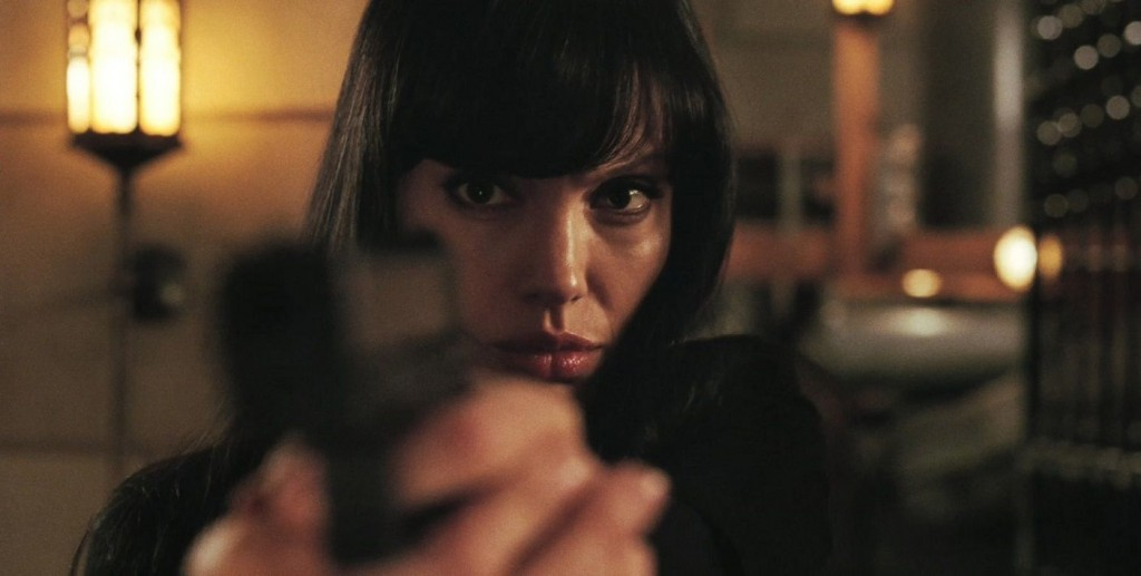 Female Action Heroes - Angelina Jolie as Evelyn Salt